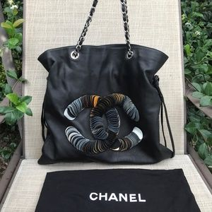 NEW Chanel Black Lambskin Leather Shoulder Bag